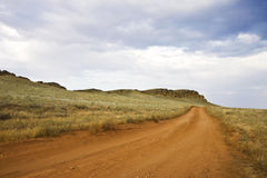 Дорога вдоль горы Стоковая Фотография