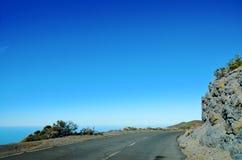 Дорога вдоль океана стоковая фотография