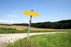 Дорога в полях стоковые фотографии rf
