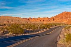 Дорога в пустыне Невады, США Стоковая Фотография RF