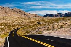 Дорога в пустыне Невады, США Стоковая Фотография