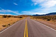 Дорога в пустыне Невады, США Стоковое Изображение RF