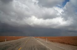 Дорога в пустыне стоковые изображения rf