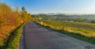 Дорога в селе Стоковая Фотография