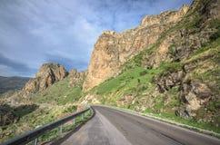 Дорога горы в альп Touristic трасса к красивому назначению никто стоковые изображения