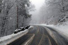 Дорога горы в зиме Стоковые Фотографии RF