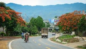 Дорога горы в Mai Chau, северном Вьетнаме Стоковые Изображения