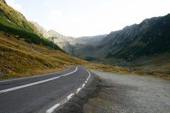 Дорога горы через долину Стоковое Изображение RF