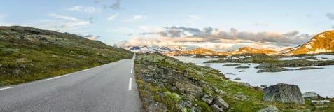 Дорога горы Sognefjellet в южной Норвегии Стоковые Фото