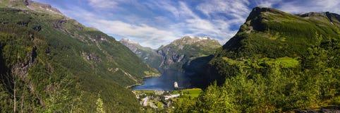 Дорога горы trollstigen Geiranger в южной Норвегии Стоковые Изображения