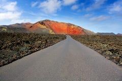 Дорога гор пожара Lanzarote Timanfaya Стоковое Изображение