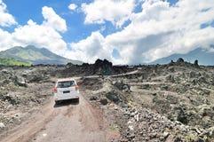 Дорога гребня кальдеры среди взгляда потухшего кратера volca Стоковое фото RF