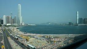 Дорога движения с китайским народом управляет и едет кораблем с строительной площадкой видеоматериал