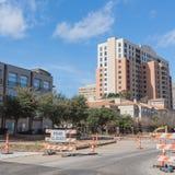 Дорога закрыла подписывает внутри городского Ирвинга, Техаса, США стоковые фотографии rf
