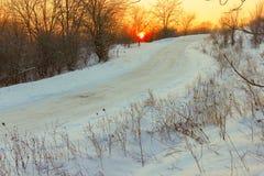 Дорога зимы в древесине Стоковое фото RF