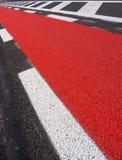 дорога красного цвета путя велосипеда асфальта свеже положенная Стоковые Фото