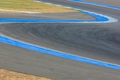 Дорога кривой трассы для гонок автомобиля/мотоцикла Стоковая Фотография RF