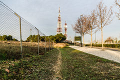 Дорога к башням связи Стоковые Фото