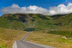 Дорога к горам Стоковые Фото