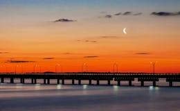 Дорога к мосту Ньюпорта в Род-Айленде Стоковая Фотография