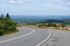 Дорога к национальному парку Acadia на горе Кадиллака стоковое фото rf