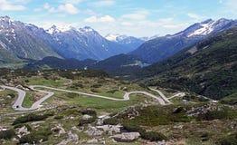 Дорога к пропуску St Bernardino в Швейцарию Стоковые Фото