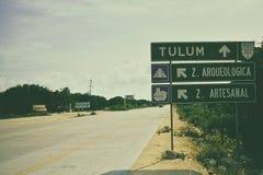 Дорога к старым археологическим раскопкам Tulum Стоковое Изображение