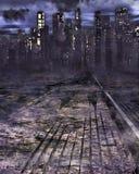 Дорога к темному городскому пейзажу Стоковое Изображение RF