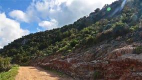 Дорога к Фонтане Amoroza, национальному парку полуострова Akamas, Кипру акции видеоматериалы