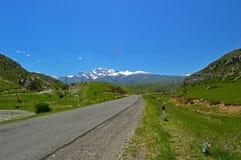 Дорога к Khaidarkan Стоковая Фотография