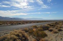 Дорога к Panamint и Death Valley Калифорнии Стоковые Фотографии RF