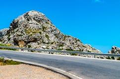 Дорога к Sa Calobra в Serra de Tramuntana - горах в Mallorc Стоковые Фотографии RF