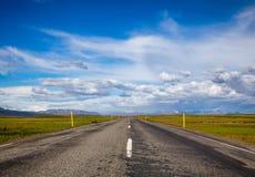 Дорога маршрута 36 Thingvallavegur до национальный парк Исландия Скандинавия Thingvellir стоковые изображения