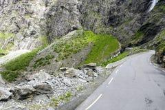 Дорога между горами, Норвегия Trollstigen Стоковые Фото