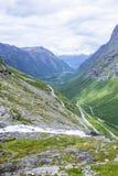 Дорога между горами, Норвегия Trollstigen Стоковые Изображения
