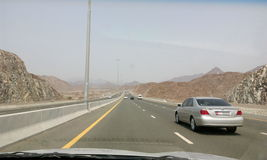 Дорога между Дубай к fujera Стоковые Изображения RF