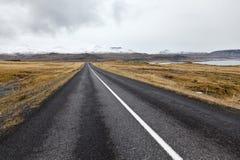 Дорога на полуострове Snaefellsnes. Стоковые Изображения RF