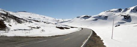Дорога над Hallingskarvet в Норвегии Стоковые Фотографии RF