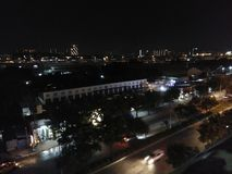 дорога ночи драмы рисуночная трясет небо стоковое изображение