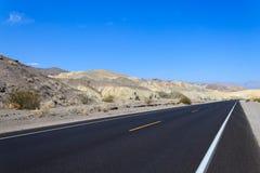 Дорога перспективы, Death Valley, США Стоковые Изображения RF