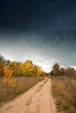Дорога под starlight Стоковое Изображение