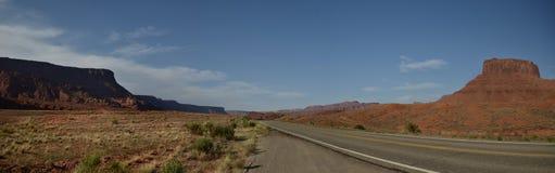 дорога пустыни панорамная Стоковые Фотографии RF