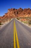 дорога пустыни сиротливая Стоковые Изображения