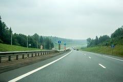 Дорога, сценарный ландшафт во время дня Стоковая Фотография