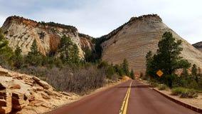Дорога через каньон Сиона, Юту, США Стоковая Фотография