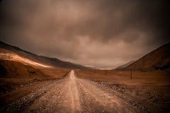 Дорога через тибетское плато Стоковая Фотография RF