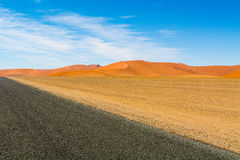 Дорога через дюны стоковые фото