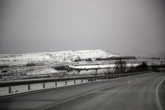 Дорога шоссе снежная стоковая фотография rf