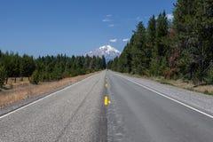 Дорога для того чтобы установить клобук Стоковые Фото