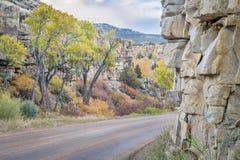Дорога Backcountry через каньон стоковые фотографии rf